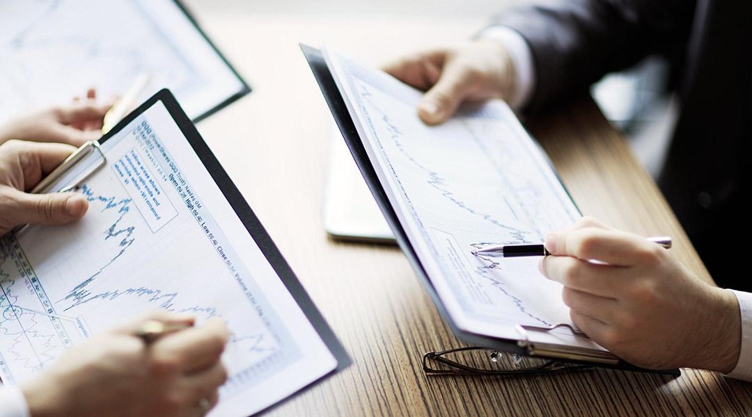 Aktien - Fonds - Geldanlage - Finanzexperten